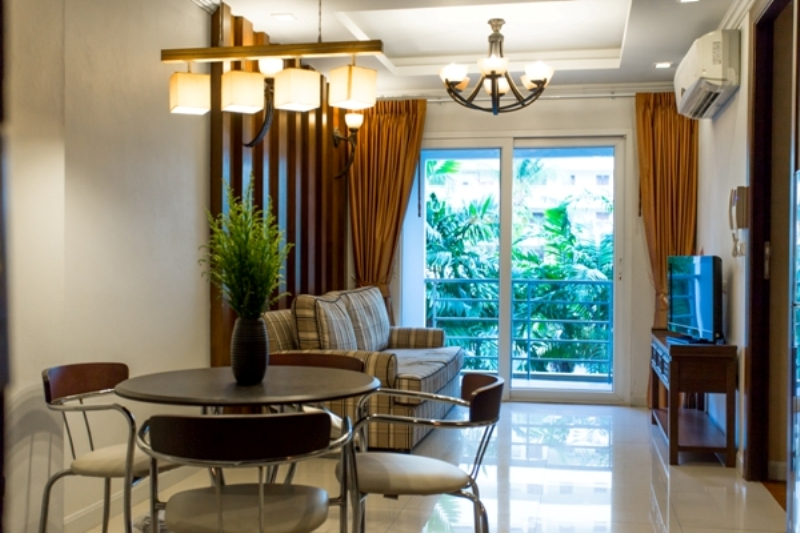One Bedroom Apartment in Center & 10 minutes drive to Patong Beach