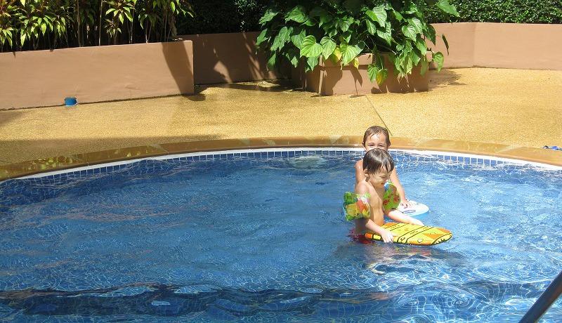 Kids pool 1