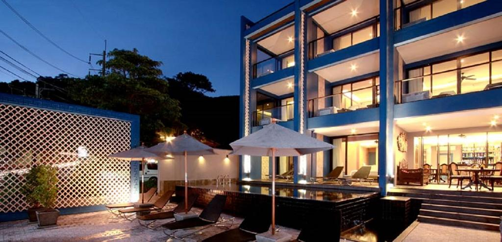 Sea view luxury boutique hotel for lease in Phuket