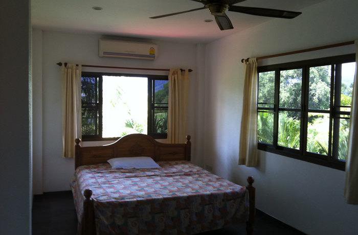 rent08golfview_bedroom