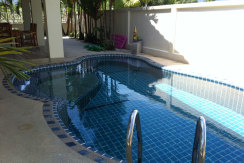 rent08golfview_pools