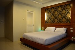 Modern 8 room guest house for rent Patong