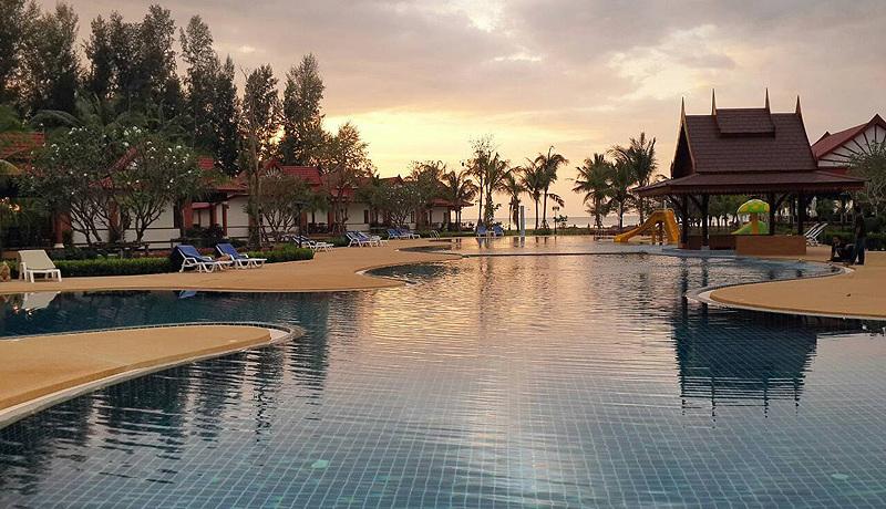 thesunset-beach-resort-beach-view8