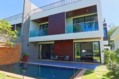 2 bedroom villa with pool for rent in Nai Harn Phuket