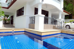 Private pool villa with 3 bedrooms for rent in Nai Harn Phuket
