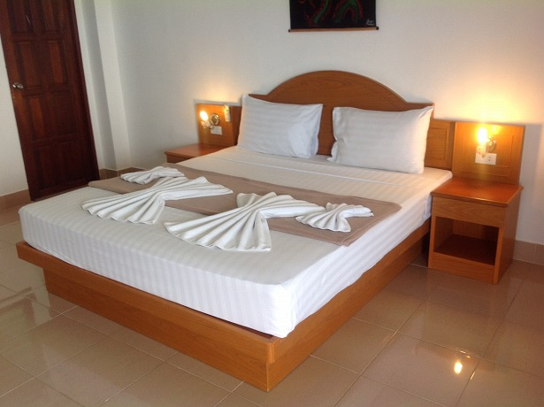 45 room guest house for rent in Patong
