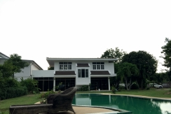 Beach front 4 bedroom villa with shared pool for rent in Chalong Phuket