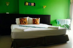 16 room guest house with restaurant for rent in Patong