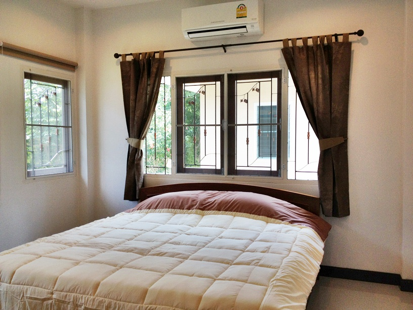 1 bedroom villa shared pool for rent in Chalong