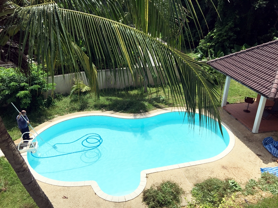 4 bedroom pool villa for rent in Nai Harn beach