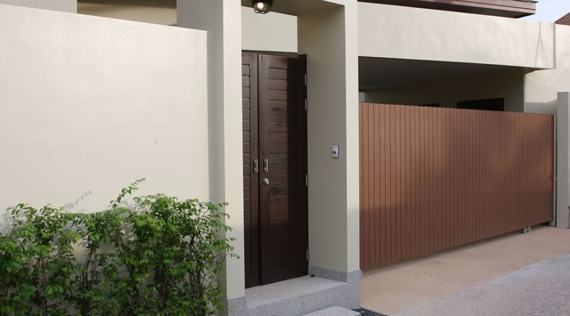 Villa Entrance 001