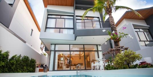 Modern 3 bedroom pool villas in Nai Harn Beach
