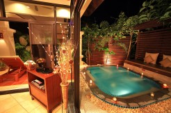 Jacuzzi Villa 1 bedroom Semi-detached for rent in Nai Harn Beach
