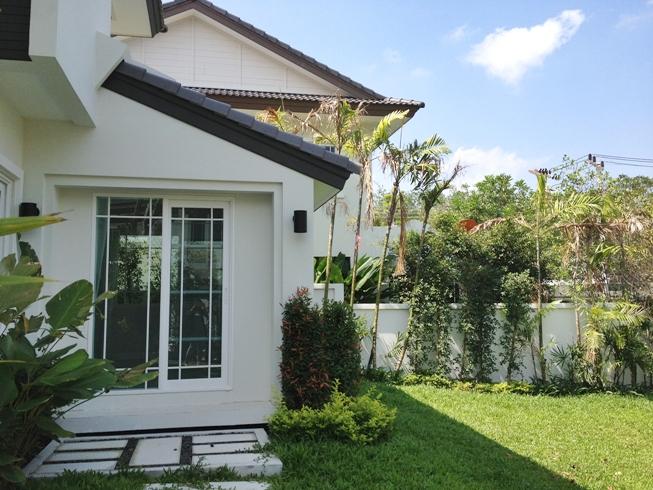 Garden Villa 3 Bedroom for rent in Chalong