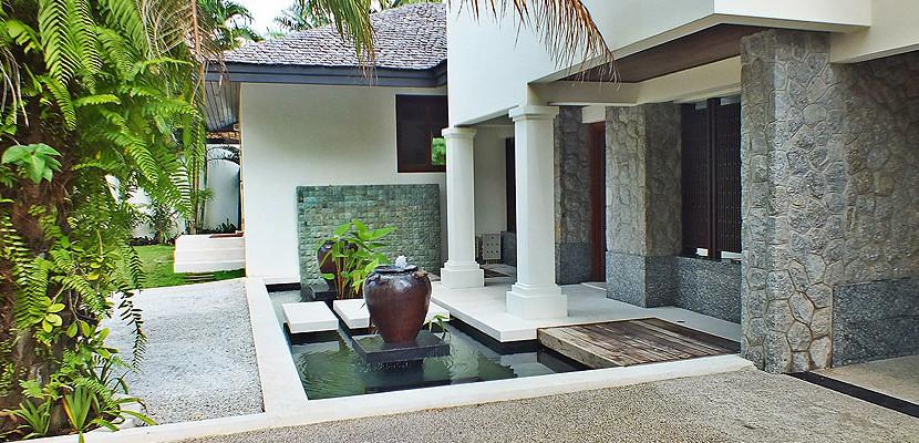 4. Surin Seven - Koi Pond