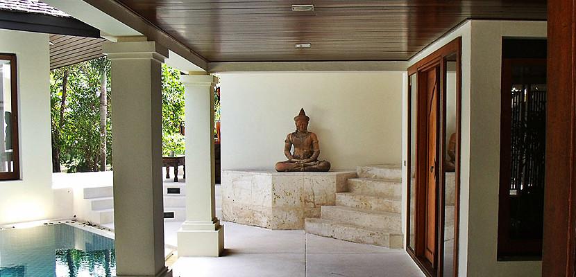 5. Surin Seven - Courtyard