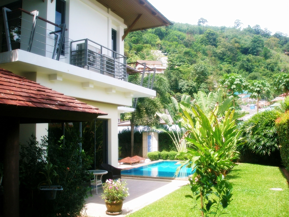 4 Bedroom Private Pool Villa For Rent Near Loch Palm Golf Course