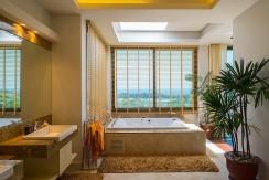 14master-bathroom