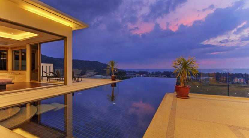 9-pool-terrace-at-night
