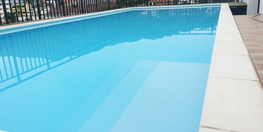 15 room guest house with restaurant and pool in Patong
