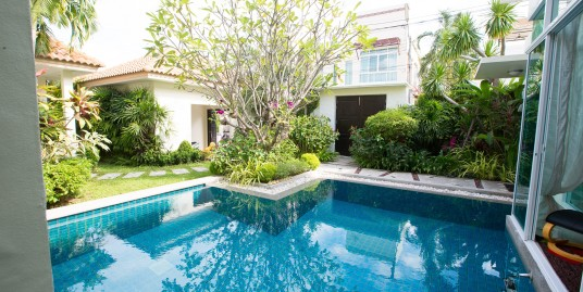4 Bedroom Private Pool Villa only 5 minutes to Rawai Beach