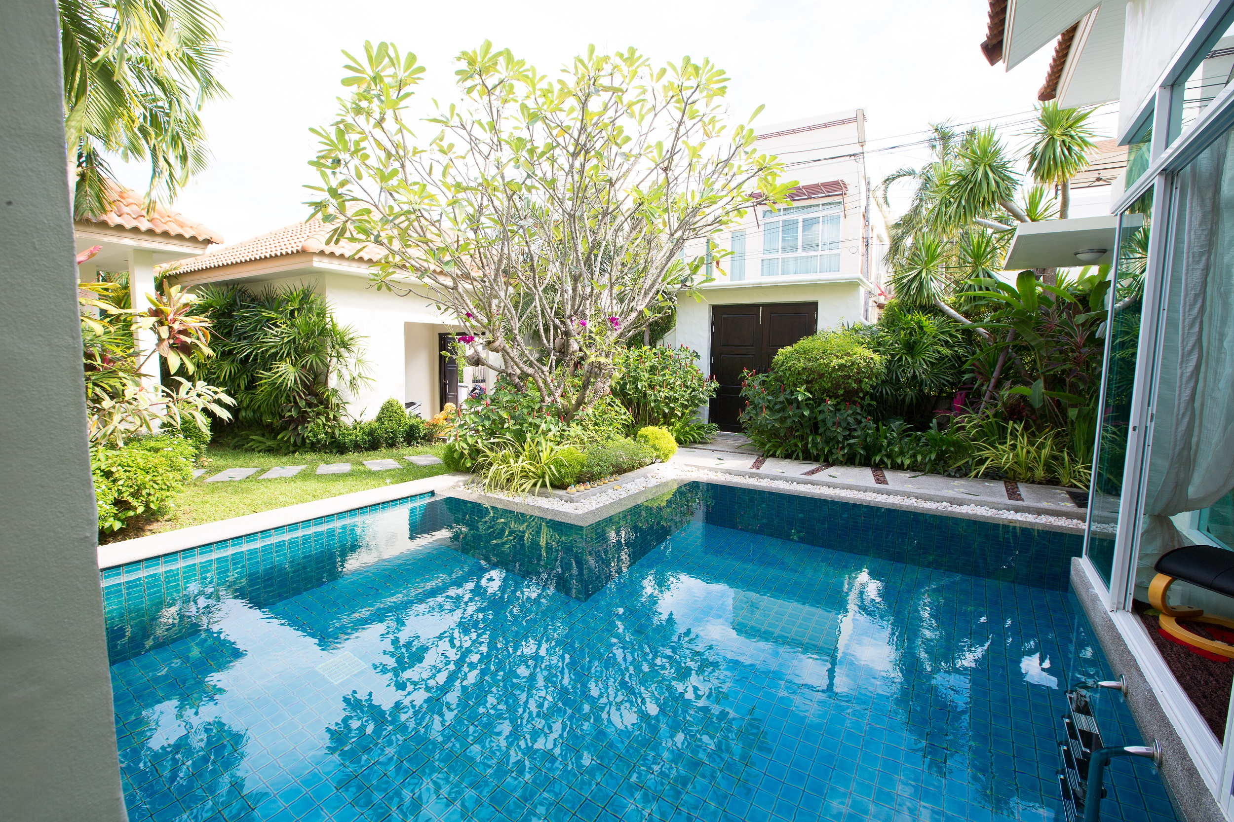 Reduced the Price-4 Bedroom Private Pool Villa only 5 minutes to Rawai Beach