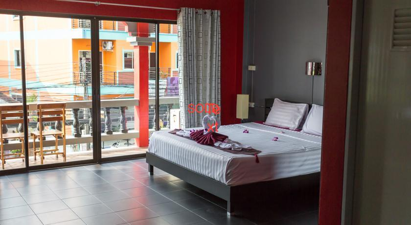 12 room guest house with coffee shop in Patong for sale