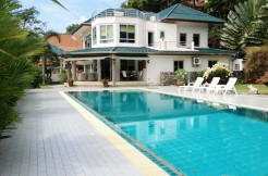 Large Land Plot 800 sqm Private Pool 4 Bedroom Villa for Sale