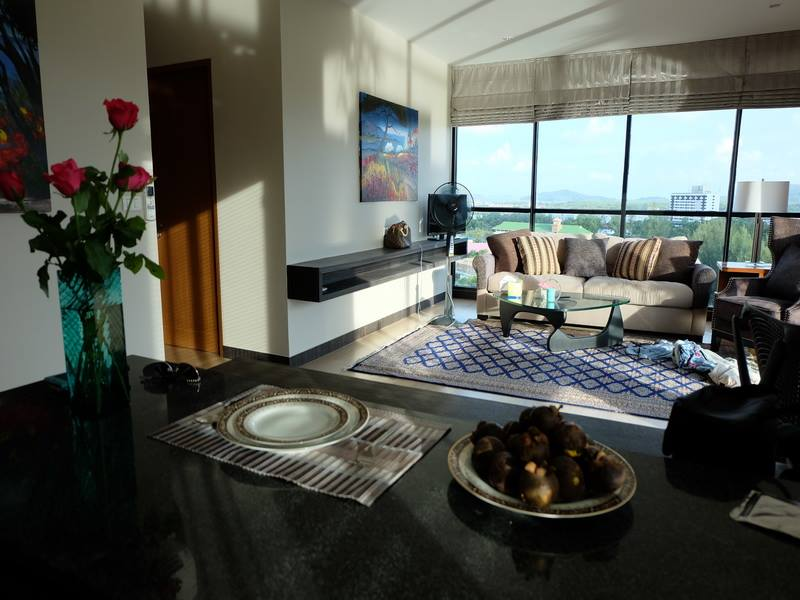 Lake View and Park access 2 Bedrooms apartment in Phuket Town