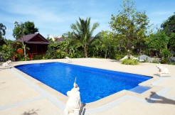 Tropical resort with 29 units in Phuket for lease