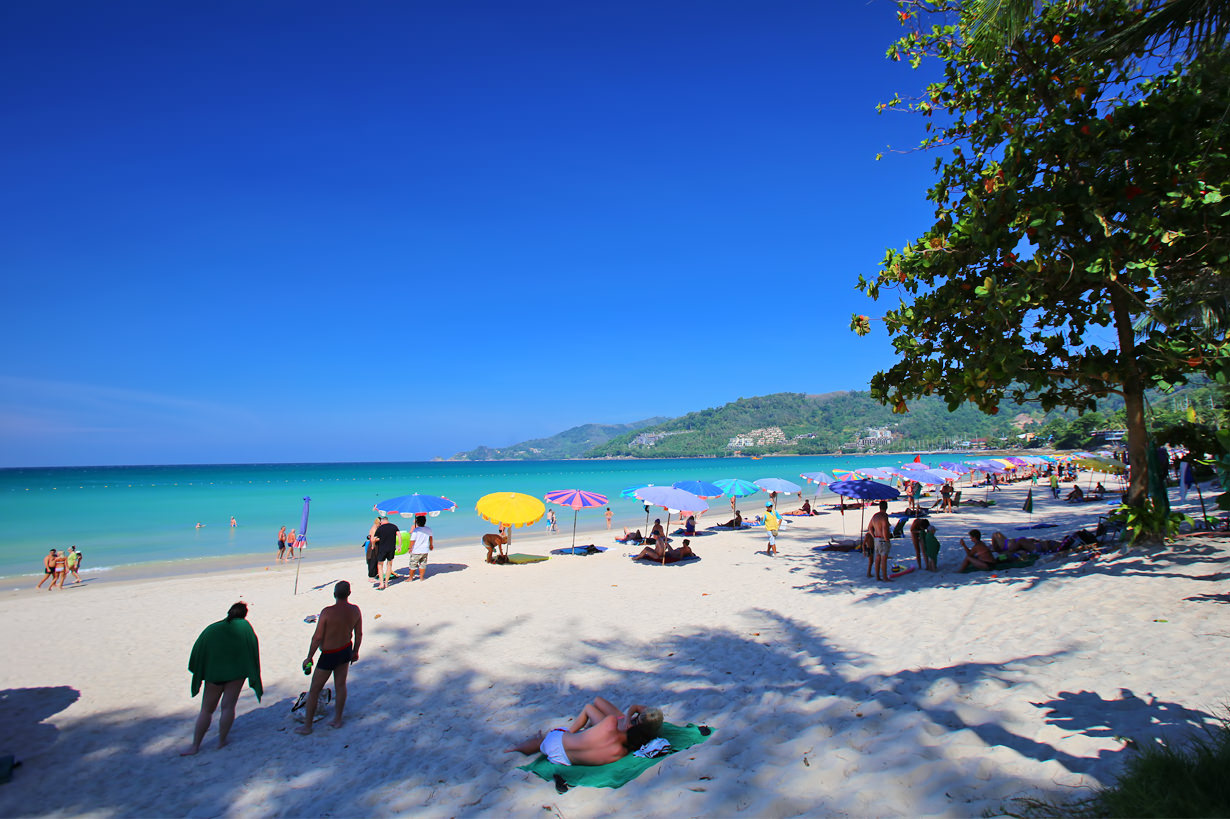 Hotel for sale on the beach road in Patong