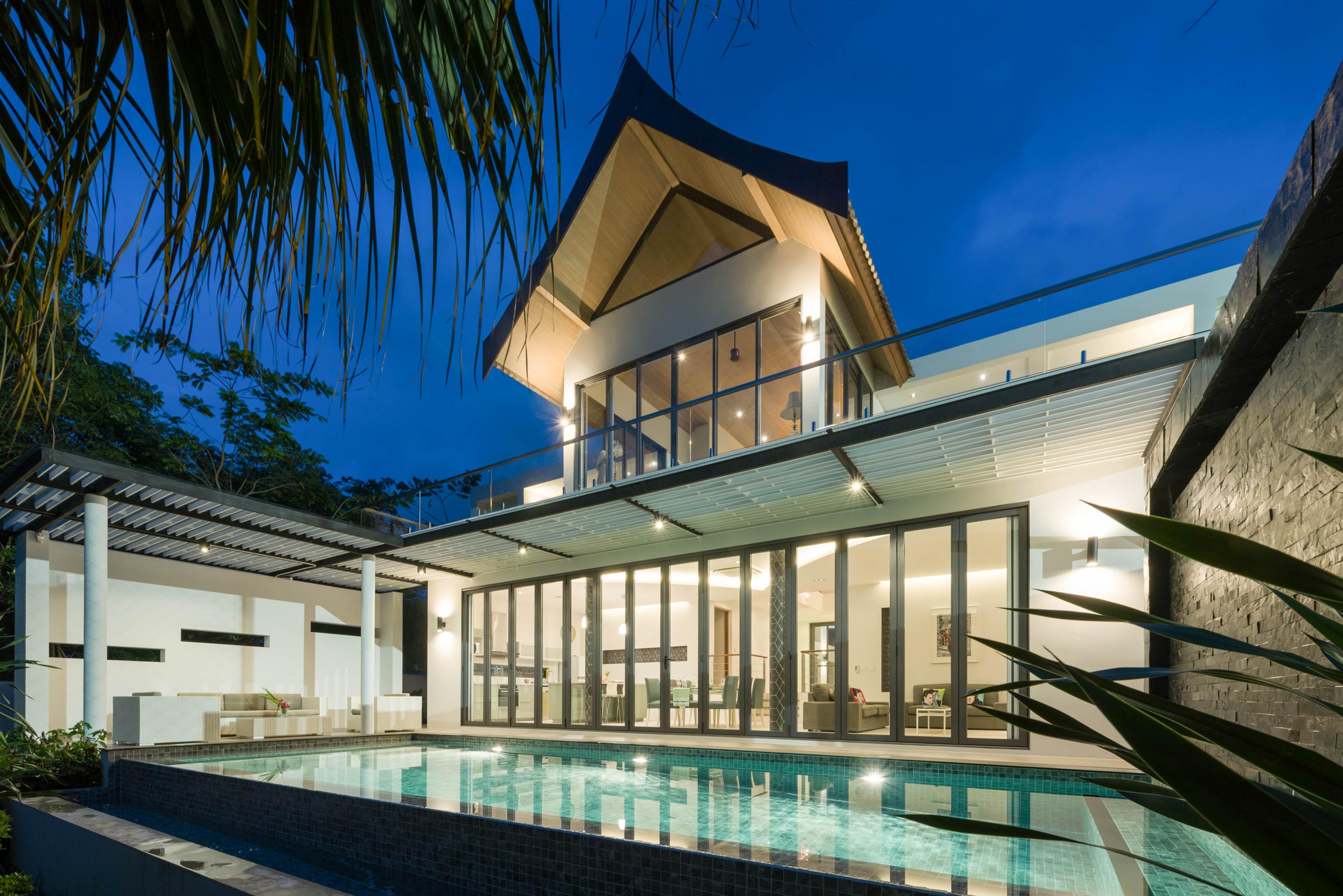 8 Bedrooms Pool Luxury Villas for Holiday rental