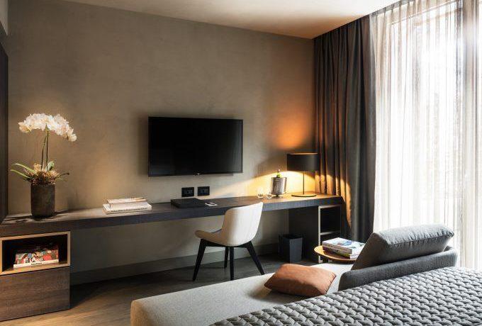 0927c0cc1c62b81d27ba2aecad3a51cb--hotel-bedrooms-bedroom-lighting
