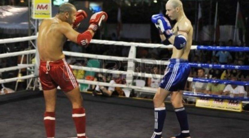 12925936-bangkok-thailand-march-22-unidentified-athletes-compete-in-world-amateur-muaythai-champioships-2012
