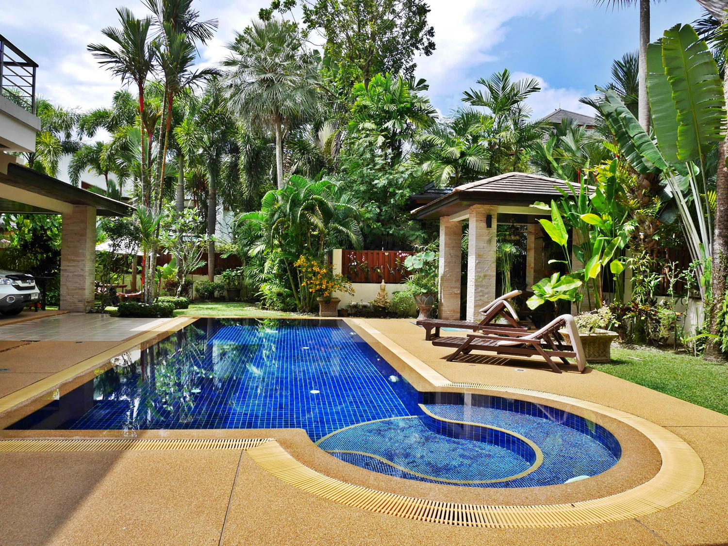 Luxury 4 bedroom Pool Villa for Long term rent Near Golf Course Kathu