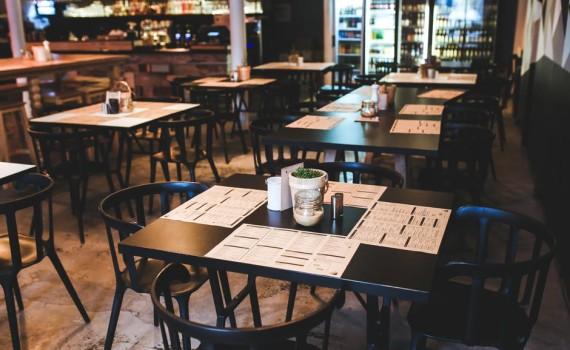 menu-restaurant-vintage-table-570x350