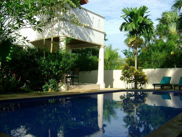 3 bedroom villa with swimming pool for long term rent in Chalong Phuket