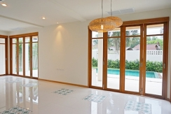 Ban Amara - Folding door to terrace