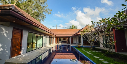 5 bedroom villa with pool for rent in Rawai Phuket