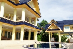 5 bedroom villa with swimming pool for rent in Rawai Phuket