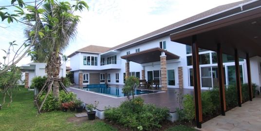 6 bedroom pool villa for sale in Phuket Town