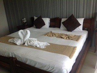 16 room Patong beach road guest house for rent