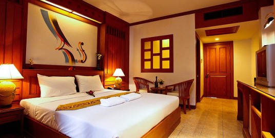 hotel business with 29 rooms & restaurant in Patong