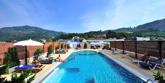 Modern hotel with 60 rooms within walking distance to Patong beach