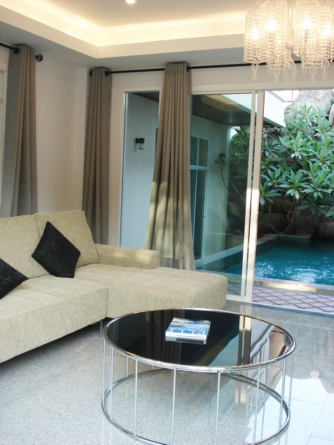 3 bedroom villa with pool for long term rent in Rawai Phuket