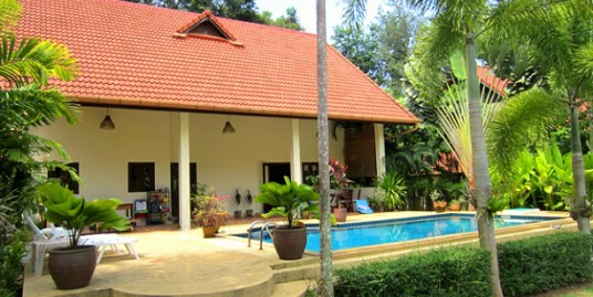 3 bedroom villa in Rawai on a large land plot for sale at a bargain price