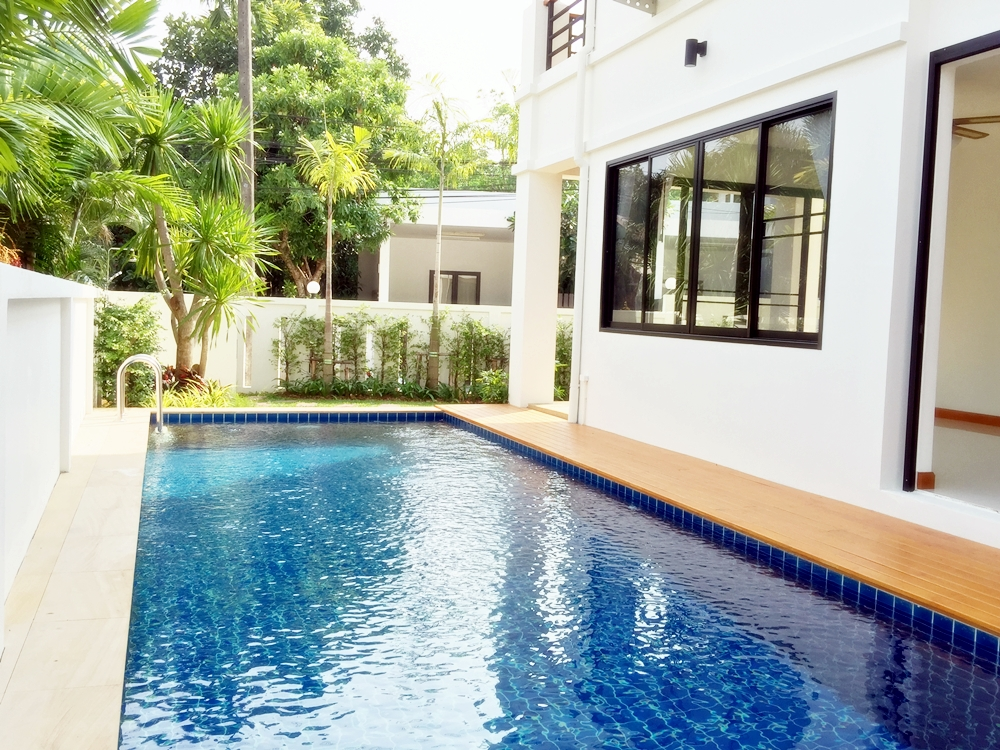 Brand new 3 beroom Pool Villa for Sale in Chalong, Phuket