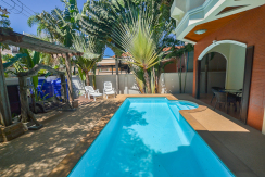 3 bedroom villa with pool for rent in Nai Harn Phuket