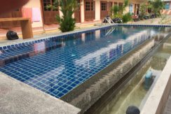 45 room hotel with pool for rent with no key money in Patong