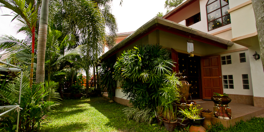 Big garden 4 bedroom villa for sale in Kathu,Phuket
